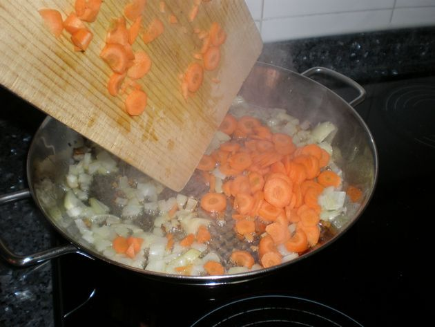zanahorias1 - ▷ Arroz con embutidos 🥘