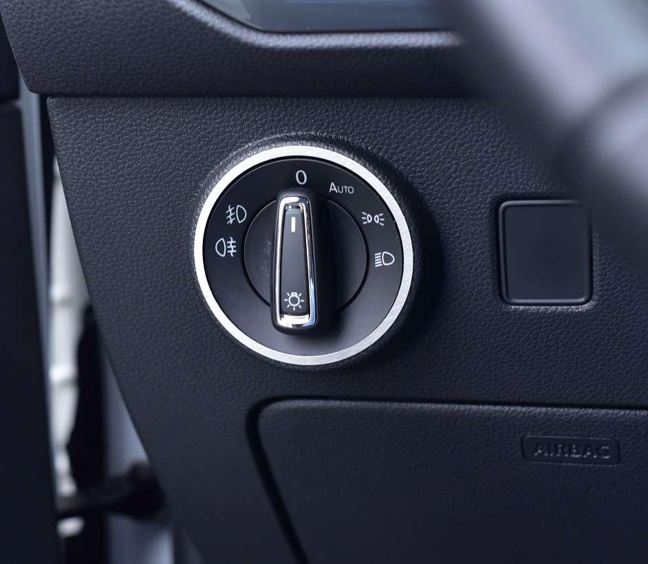 PIASTRA SEAT ATECA DSG 4 Drive 4x4 xcellence Reference Style TDI TSI FR CUPRA Spor